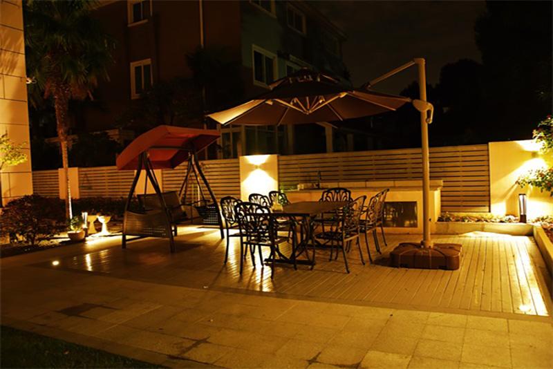 现代花园夜景--图